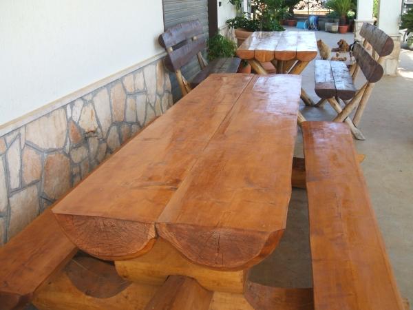 Tavoli in legno ulivi secolari piante e giardini import - Tavoli grezzi in legno ...